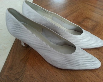 Vintage Proxy Off White Leather Heels Pumps Size 11 Ladies Made In Spain
