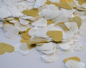 Heart shaped tossable party confetti | Metallic gold, gold speckled and white tissue paper confetti perfect for throwing | 1000 pieces