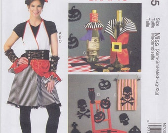 McCall's Sewing Pattern M7005 Apron, Gauntlets, Hat, Silhouettes, Bann New UNCUT