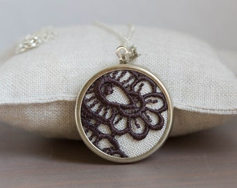 Lace necklace with Chocolate brown lace l014