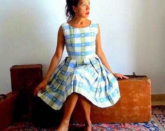 Vintage 50s Dress - pin up dress blue white Small - vintage Picnic dress - 50s swing dress - rockabilly dress - mad men dress - full skirt