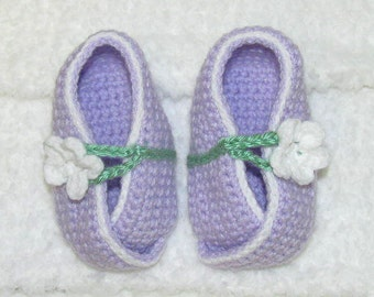 Lavender Baby Booties, Lavender  Kimono Baby Booties With White Flower, Purple Baby Shoes, Purple Baby Booties