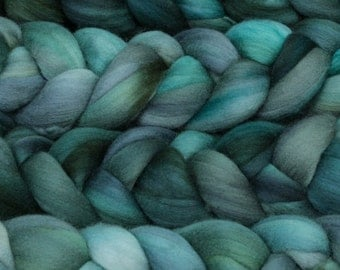 NEW Product Malabringo Nube Roving Aquas 19 Micron Merino 4 Ounces