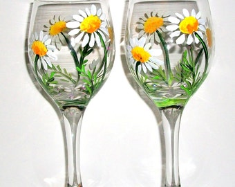 Springtime White  Daisies Mini Wine Glasses Set of 2 / 4.1 oz. mini wine glasses Hand Painted