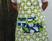 Full apron, blue and green pockets, woman's or men's, fits medium to plus size
