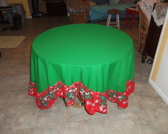 Vintage Christmas  Fabric Oval Tablecloth with Ruffle Border