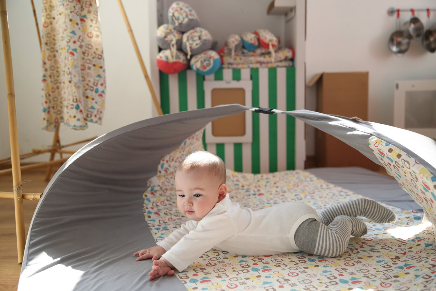 baby play mat and toy storage by mezoome designs baby. Black Bedroom Furniture Sets. Home Design Ideas