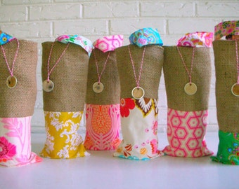 Burlap Wine Bags Colorful Vibrant - Bridesmaid Gifts - Hostess Favors - Bridal Shower