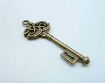 10pcs 16x45mm Antique Bronze Filigree Key Charms Pendant c482