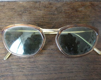 Vintage French Round Sunglasses Glasses circa 1960/70's / English Shop