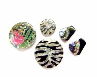 5 Mother Of Pearl Inlay Shank Buttons