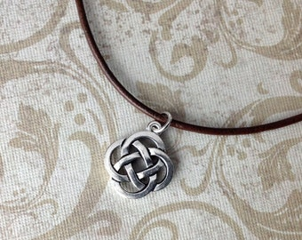 Celtic knot pendant on leather cord, Celtic Irish knot necklace, men's jewelry, leather cord jewelry, celtic, irish jewelry H104