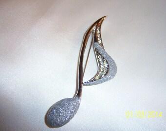 Elegant Sparkling Musical Note Brooch
