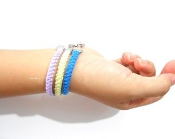 Crochet bracelet LIGHT LIME GREEN 15cm cotton yarn, white metal lobster lock