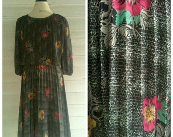 Vintage 70s Dress - Gray Floral Dress with ACCORDION Skirt