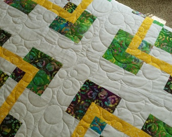 Tropical Caribbean FULL or QUEEN size quilt in  Bright White & Sunshine Yellow BATIK quiltsy handmade.  Pillow covers included.