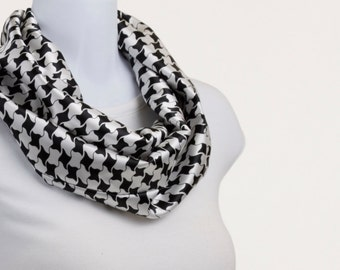 Short Infinity Scarf  - Black and White Houndstooth look Silky Style ~ SK184-S5