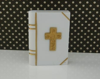 Bible Cake Decoration