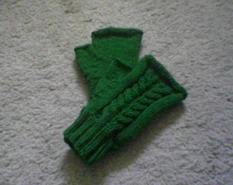 Green Fingerless Mittens, Cable Pattern