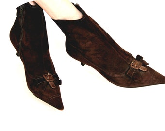 Miu Miu chocolate brown suede short boots / kitten heel & pointy toe /  SMALL size Italian designer Prada company / womens  35