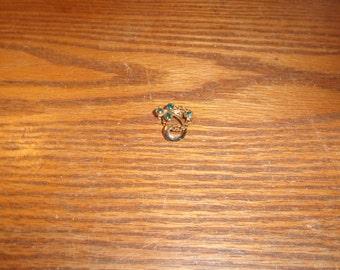 vintage pin brooch goldtone lapel green rhinestones