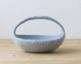 Felted basket / Easter basket / Easter decoration / Ring bearer / wedding pillow / Light grey green / CHOOSE YOUR COLOR