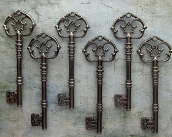 Gallarus EXTRA LARGE Antique Style Skeleton Key in Gunmetal Black - Set of 10