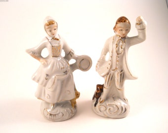 Figurine Couple Dancing and playing a musical instrument
