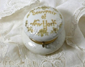 "Vintage ""Souvenir of New York"" Porcelain Trinket or Small Jewelry Box Hand Painted"