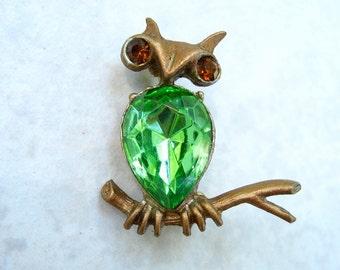 Vintage Owl Brooch Green Teardrop Rhinestone Dodds Bird