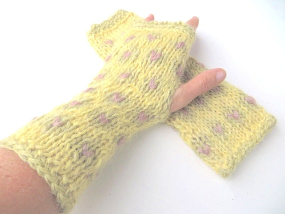 Knitting Patterns For Wensleydale Wool : Mittens Iris pure new wool Wensleydale mohair