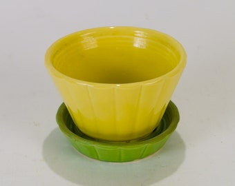 Shawnee USA 534 Yellow and Green Fluted Flower Pot with Attached Saucer