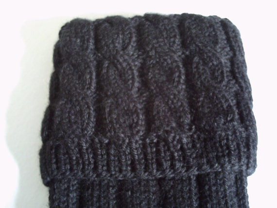 Hand knitted men's kilt hose / socks with cable top in black.UK 8, EU 42, US 10.