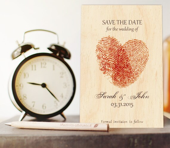 Hölzerne Save-the-Date-Karte Fingerabdruck-Einladungen