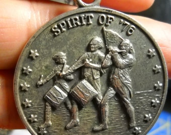 1976 Bicentennial Necklace Spirit of 76
