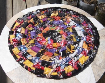 rope core hotpad trivet centerpiece rug hand-braided OOAK Halloween colors rag rug bright colors colorful