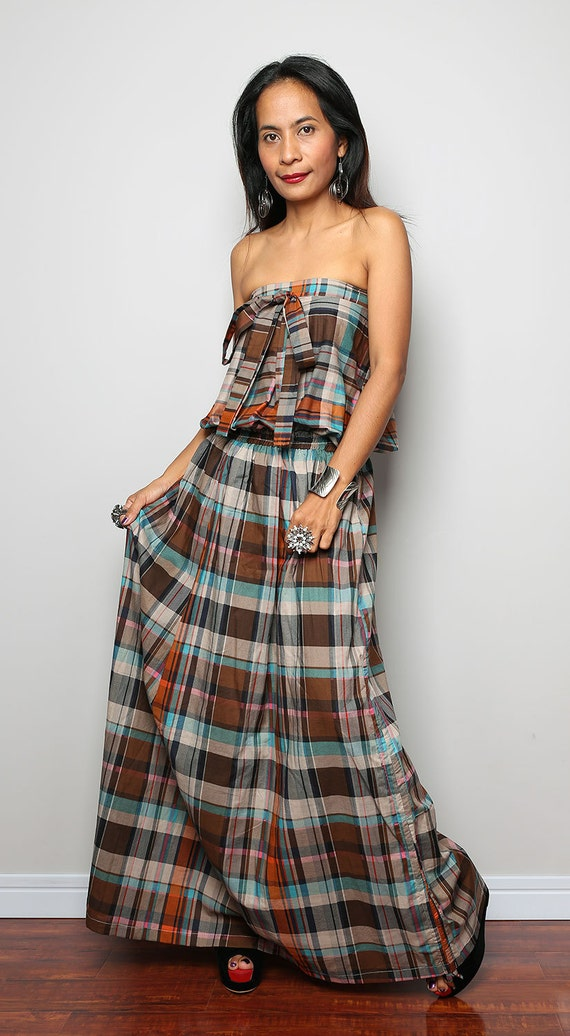 Tartan Skirts. From a full length floaty a-line to a traditional tartan kilted skirt to a cheeky little tartan mini kilt or mini skirt we have all the tartans you can dream of.