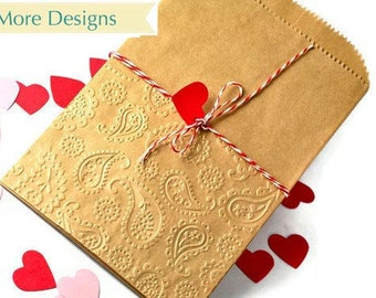 25 Kraft paper bags serrated edge in embossed paisley design. Valentine's Party favor bags | Brown candy bags gift bags more designs
