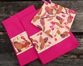 Hot Pink Set 2 Pot Holders 2 Hand Towels