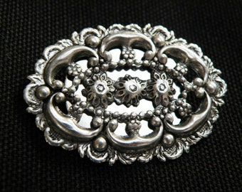 victorian style brooch with a touch of vintage