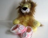 Crochet Baby Booties - Shades of Pink and Brown with White Button - Preemie to Newborn