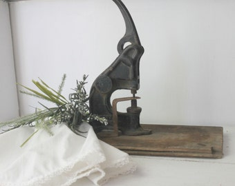 Antique Royal Cast Iron Eyelet Press
