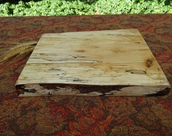 Rustic cutting board/serving tray made of spalted maple - live edge cutting board