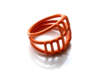 size 5, bright orange wire cage ring, handmade in Limoilou, Quebec City, powdercoat colourful jewellery, Circus collection, SALE 75% OFF