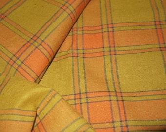 Vintage 30s 40s plaid fabric / windowpane check / woven cotton fleck slub / olive orange black / quilt craft sewing / yards yardage