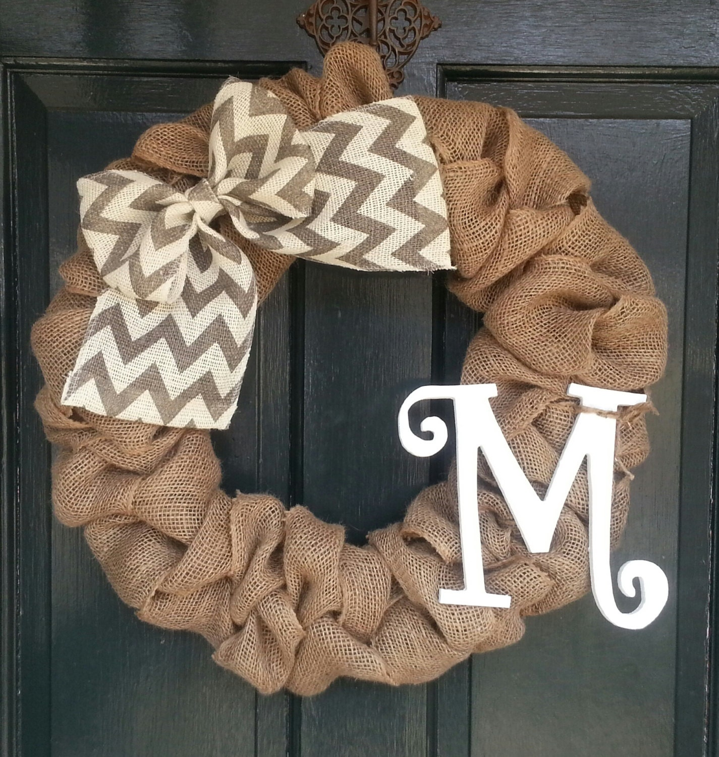 Burlap wreath with gray chevron burlap bow front door wreath for What can i make with burlap