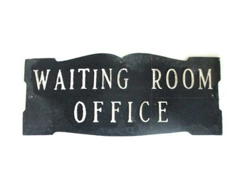 Sign Waiting Room Office Plaque Wall Hanging