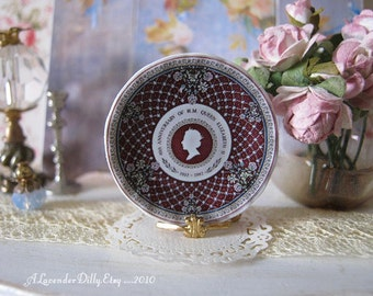 40th Anniversary Queen Elizabeth Plate for Dollhouse