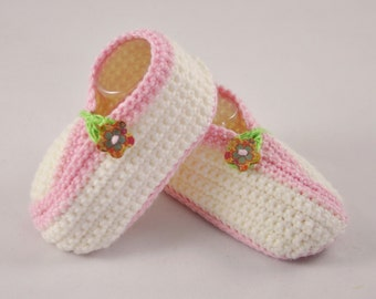 NEW DESIGN Kimono style double sole shoes in off white and pink with painted wooden flower button