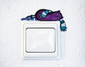 "magenta laying monster light switch vinyl wallsticker / wall decal ""laying monster"" 10x5 cm"